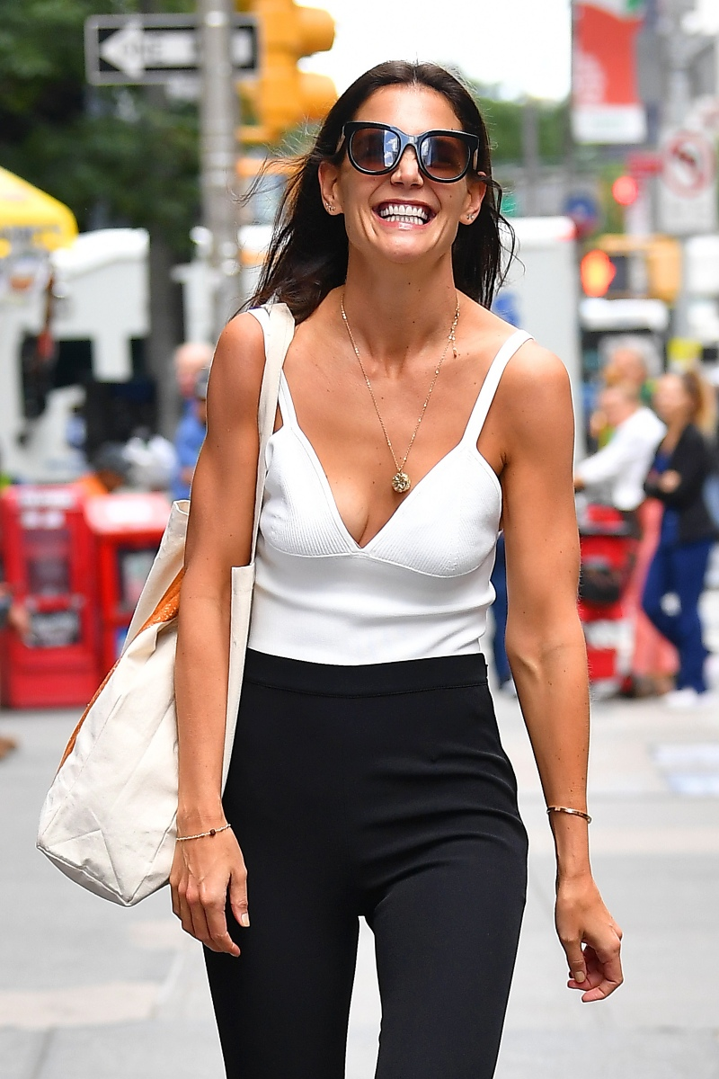 Katie Holmes Smiling for the Fans